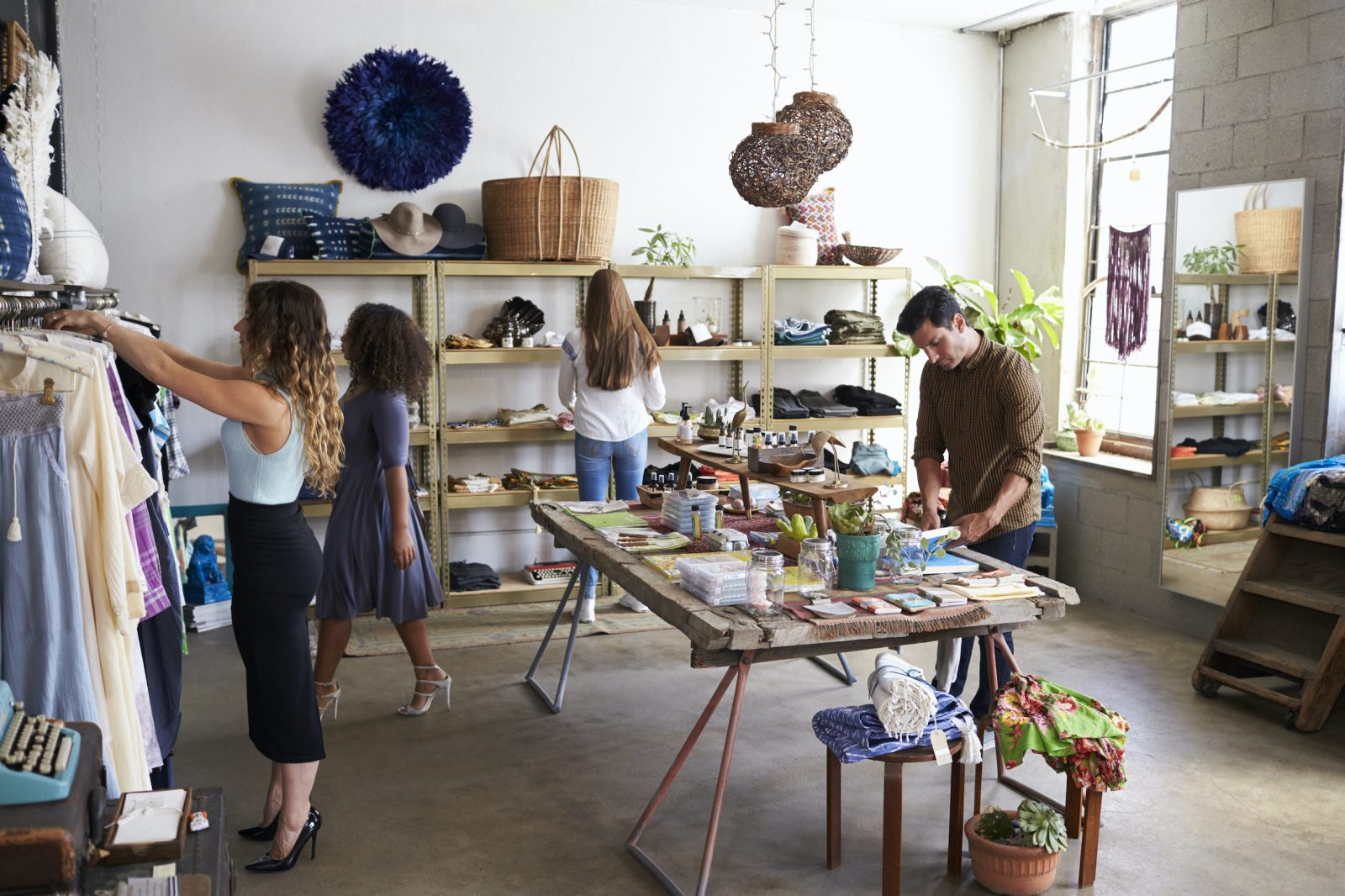 Research shows many people judge a store by its noise